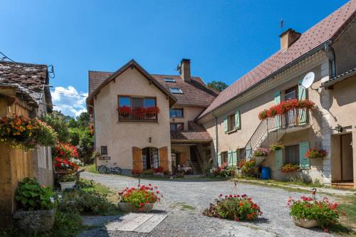 Perceneige : Bed and Breakfast near La Motte-en-Champsaur