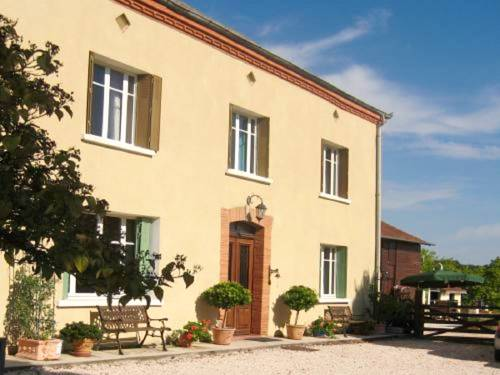 Les Tilleuls : Bed and Breakfast near Aussos