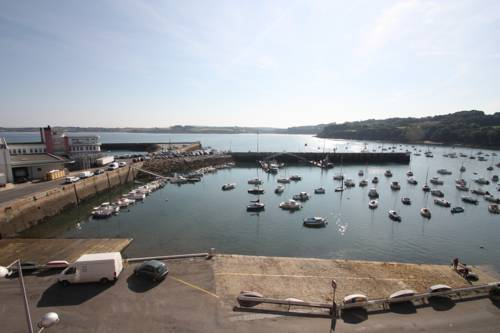 Appartement Design III Port Douarnenez : Guest accommodation near Douarnenez