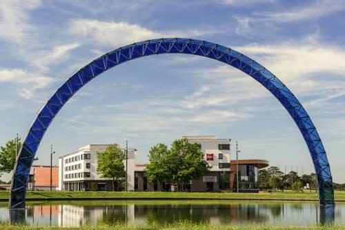 ibis Saint Quentin en Yvelines - Vélodrome : Hotel near Montigny-le-Bretonneux