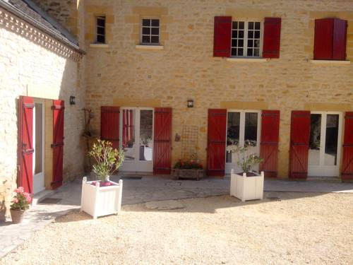 La Chabotine : Bed and Breakfast near Allas-les-Mines