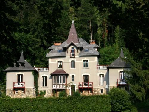 Chambre d'hôtes Le Manoir des Alberges : Bed and Breakfast near Vaulnaveys-le-Haut