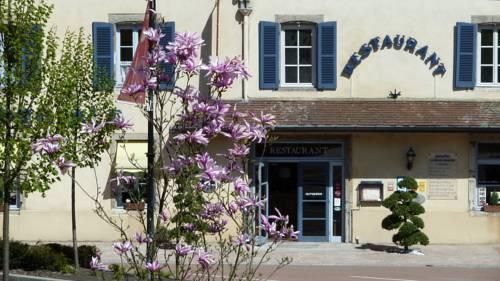 Borne Imperiale : Hotel near Alligny-en-Morvan