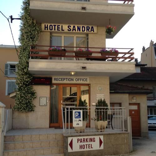 Hotel Sandra : Hotel near Saint-Barthélemy-de-Séchilienne