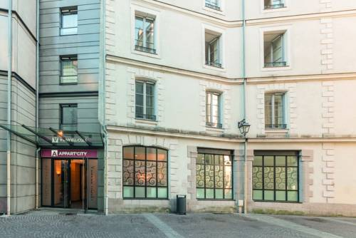 Appart'City Confort Nantes Centre : Guest accommodation near Nantes