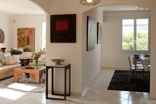 Appartement d artiste : Apartment near Hyères