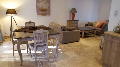 Le gîte provençal : Guest accommodation near Corbières
