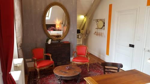 Chambres d'Hôtes Couleurs du Temps : Bed and Breakfast near Trélissac