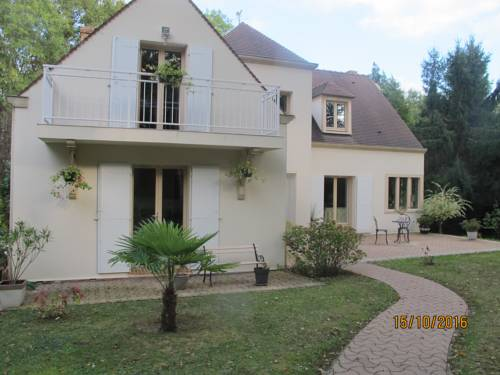 maison individuelle : Guest accommodation near Bernay-Vilbert