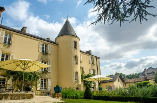 Les Lodges du Parc de la Belle : Guest accommodation near Romagne