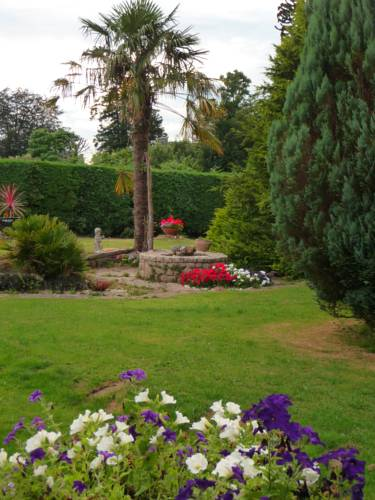 Les Trois Fontaines : Bed and Breakfast near Scaër