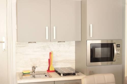 Beau Studio Senlis : Apartment near Néry
