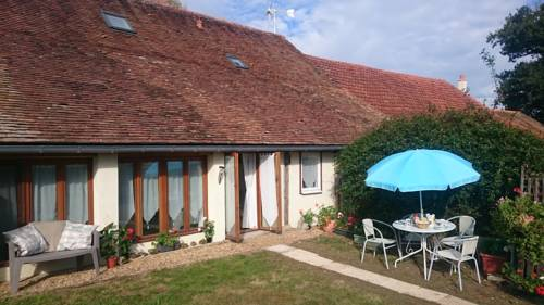 Le Poirier : Guest accommodation near Cuon