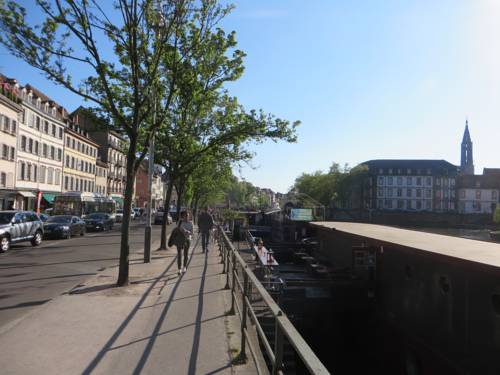 Au Quai Des Pecheurs : Apartment near Strasbourg