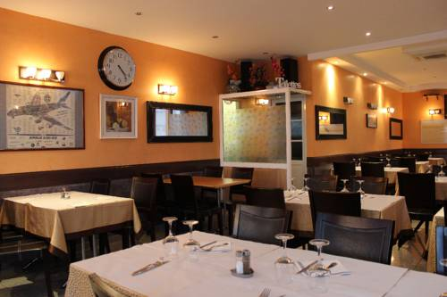 Café du Nord-Izmir hôtel : Hotel near Sarcelles