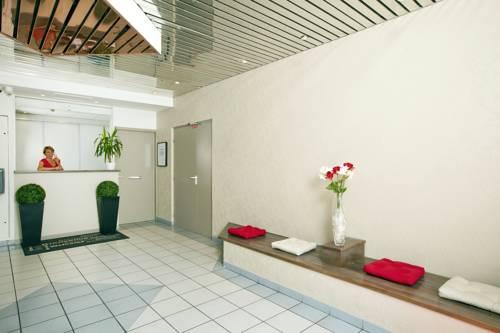 Séjours & Affaires Tours Léonard De Vinci : Guest accommodation near Tours