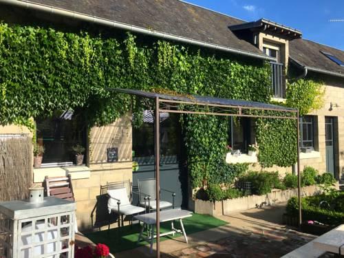 le grenier du jardin : Bed and Breakfast near Pontorson