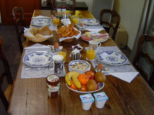 Chambres d'hotes Le Haut de la Tuilerie : Bed and Breakfast near Avernes-sous-Exmes