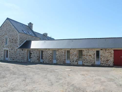 Holiday home Saint Maurice En Cotentin : Guest accommodation near Saint-Pierre-d'Arthéglise
