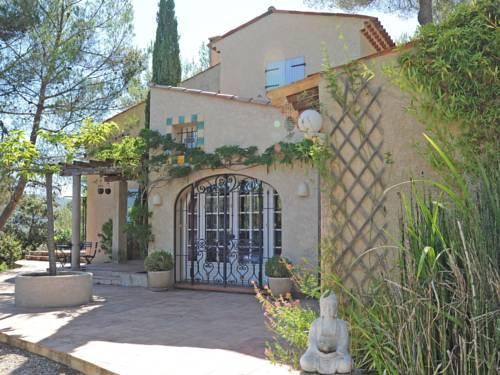 Holiday home Lei Roucas : Guest accommodation near Saint-Martin-de-Brômes