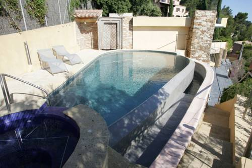 Real Seafront Villa : Guest accommodation near La Seyne-sur-Mer