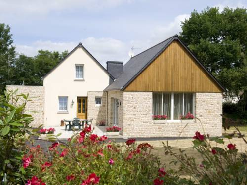 Le Petit Saint Cadou : Guest accommodation near Botmeur