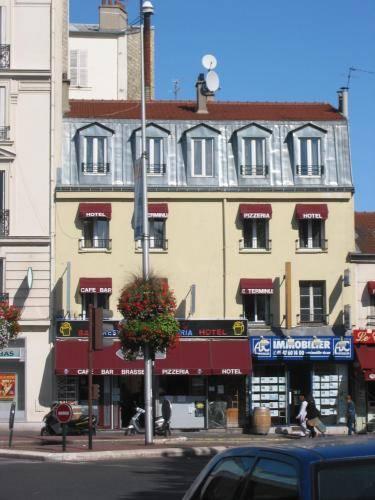 Loc'Appart Terminus Hôtel Résidence : Hotel near Bois-Colombes