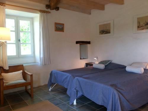 Malemousque : Guest accommodation near Anthé