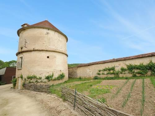 Château de Sermizelles 1 : Guest accommodation near Arcy-sur-Cure