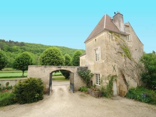 Château de Sermizelles 3 : Guest accommodation near Arcy-sur-Cure