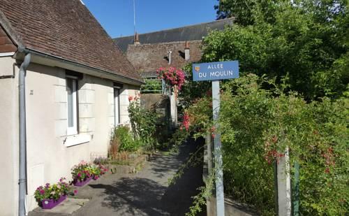 La Petite Lucette : Guest accommodation near Pocé-sur-Cisse