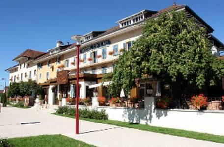 Hôtel-Restaurant Le Lac : Hotel near Montperreux