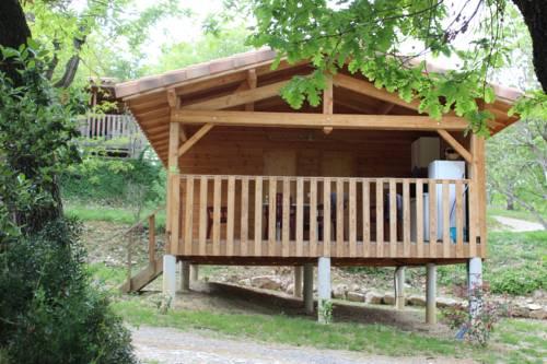 Camping les Chênes : Guest accommodation near Balazuc