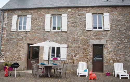 Two-Bedroom Holiday Home in Pirou : Guest accommodation near Anneville-sur-Mer