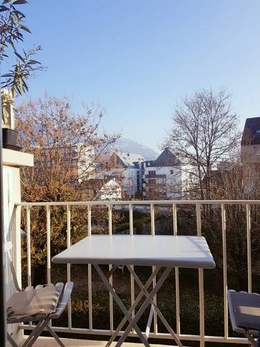 Appartement Centre Ville proche tram : Apartment near Sassenage