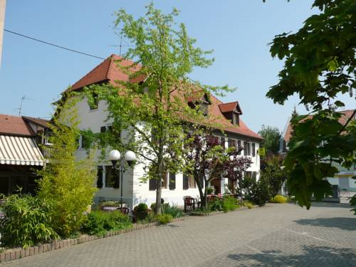 Au Lion Rouge : Hotel near Rosenau