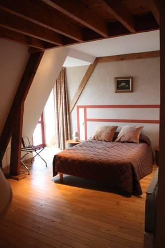 Le Haut-Val Résidences : Guest accommodation near Appenai-sous-Bellême