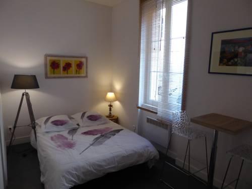 Résidence Rouget de Lisle : Apartment near Bon-Encontre