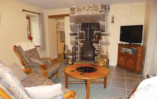 Studio Holiday Home in Roullours : Guest accommodation near Tinchebray