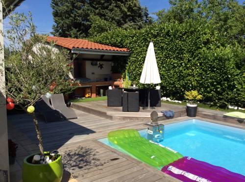 Villa Chemin des Pins : Guest accommodation near Montrabé