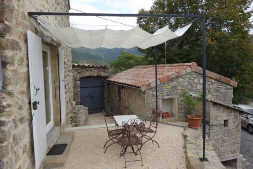 Gite Les Douces : Guest accommodation near Vesseaux