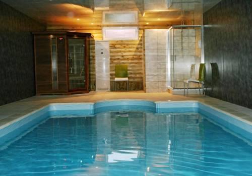 Au Relais Du Canal à Grand Gabarit : Guest accommodation near Pithon