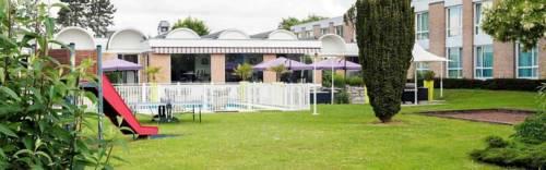 Novotel Valenciennes : Hotel near Bellaing