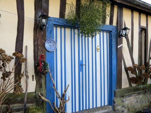Le Chant Des Fees : Bed and Breakfast near Avernes-Saint-Gourgon