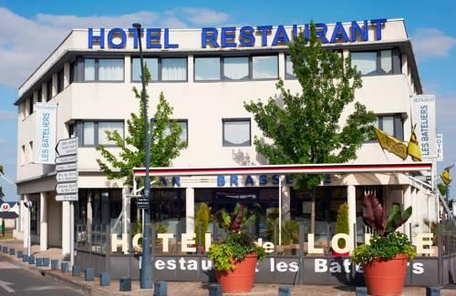 Logis Hotel De Loire Rest. Les Bateliers : Hotel near Les Ponts-de-Cé