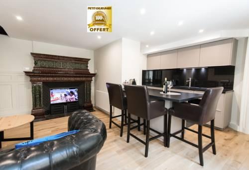 Appart-hotel Opera Quinconces : Apartment near Bordeaux