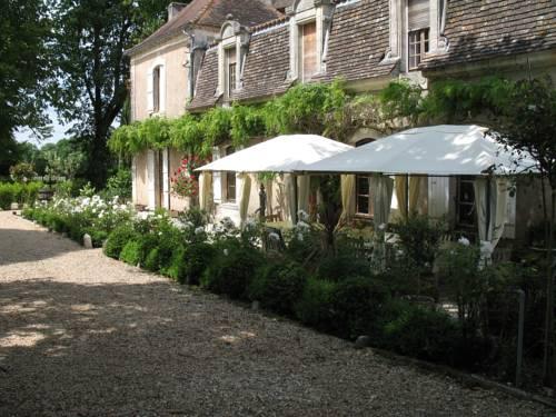 Domus Dulcis Manoir : Guest accommodation near Ribérac