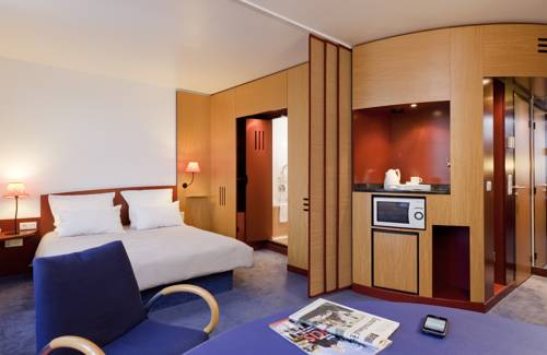 Novotel Suites Clermont Ferrand Polydome : Hotel near Clermont-Ferrand