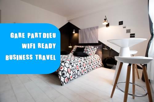 STUDIO MODERNE GARE PART DIEU Black&White : Apartment near Villeurbanne