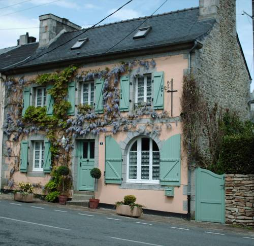 Les Glycines : Bed and Breakfast near La Feuillée